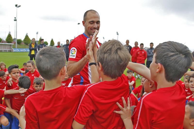 Unai Medina, segunda incorporación del Sporting