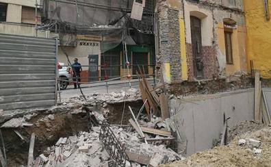 Se derrumba la fachada de un edificio en obras en Gijón