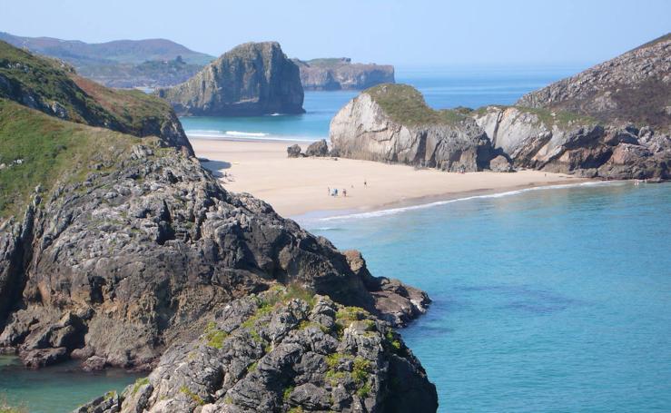 La playa de Poo entre las cuarenta mejores de Europa, según 'The Guardian'