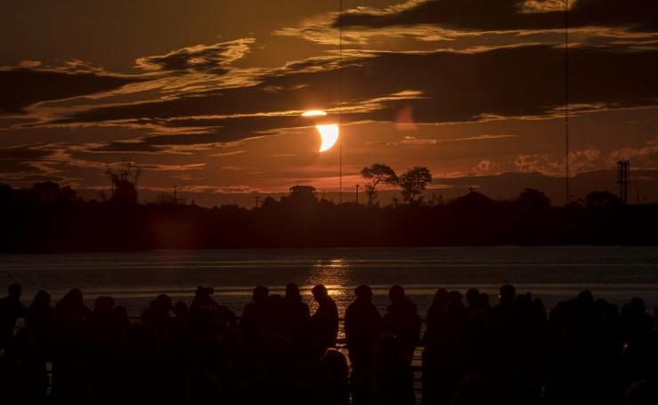 Así se vivió el único eclipse total de sol de este año