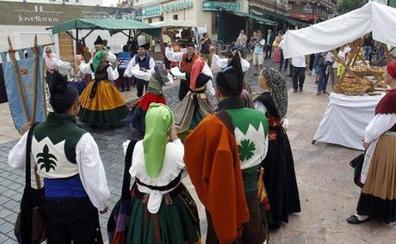 Un juez de Oviedo abre diligencias contra el tripartito por la celebración del mercado de Gascona