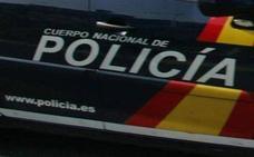 Un conductor drogado choca contra un vehículo policial en Gijón
