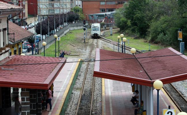 Los trenes de Feve en Aller sufren dos nuevas averías en la misma jornada