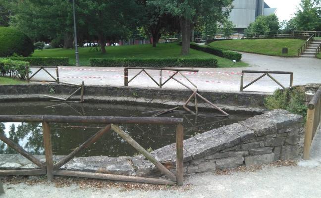 Actos vandálicos en el parque de Isabel la Católica