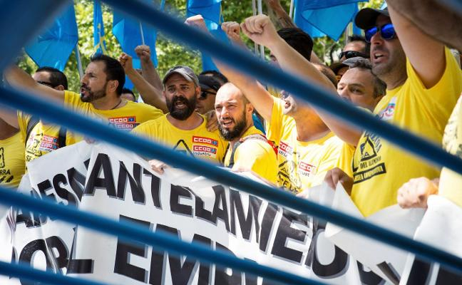 La venta de las plantas de Alcoa se atasca por la negativa de la plantilla a ratificar el acuerdo