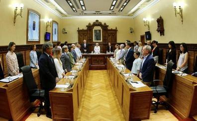 El Pleno aprueba la actualización de los salarios de ediles con peticiones a un marco que fije las retribuciones