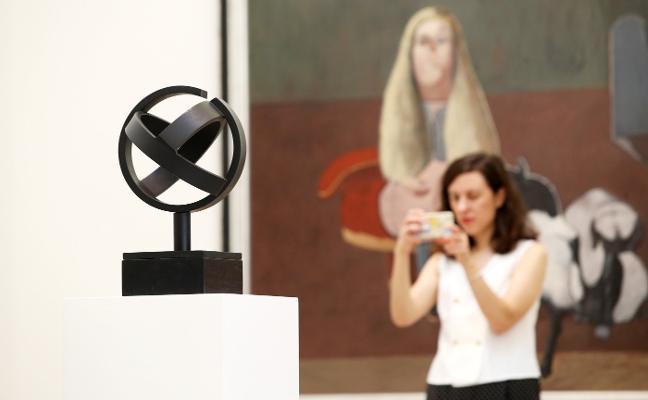 Jorge Oteiza llega al Museo de Bellas Artes