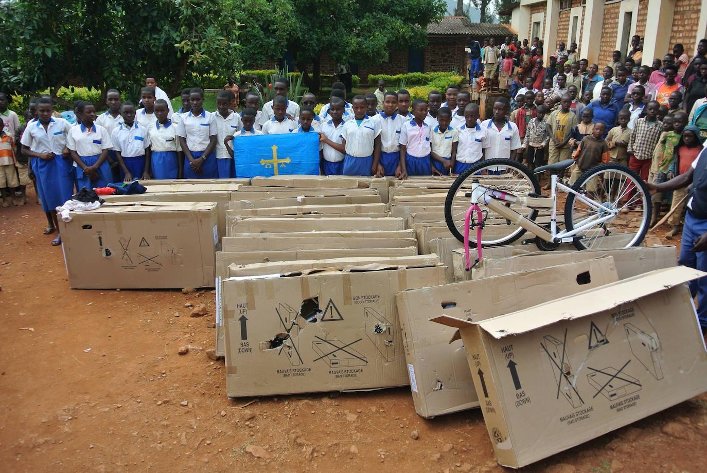 Burundi encuentra ruedas para el desarrollo gracias a la ayuda de cientos de asturianos