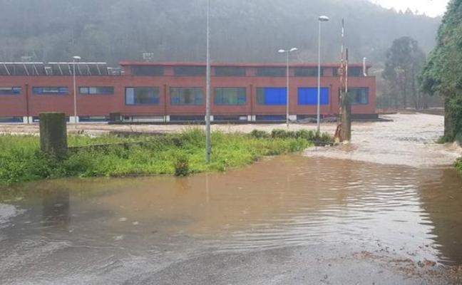 Las piscinas exteriores de Agones, en Pravia, abrirán la próxima semana