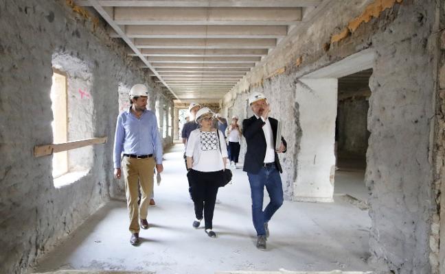 La alcaldesa de Gijón aboga por convertir Tabacalera en museo de la ciudad y centro de creación
