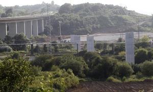 Fomento ha reparado 8 de los 24 pilares dañados del puente de la 'Y' en Somonte