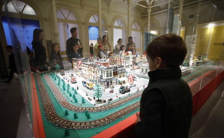 Llega al Palacio de Revillagigedo de Gijón la exposición 'I love Lego'