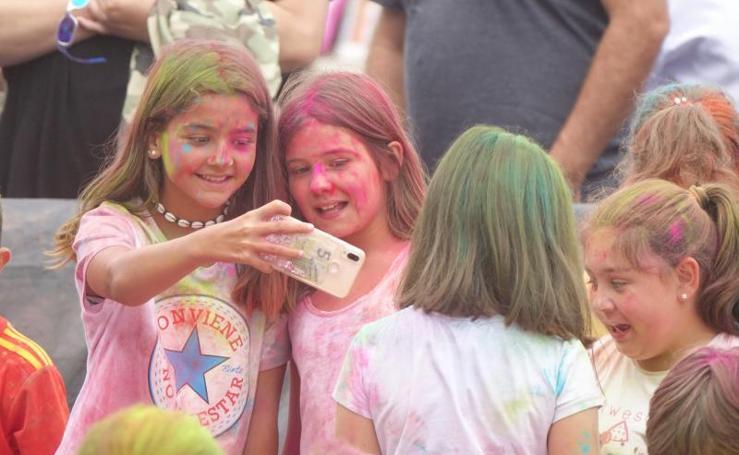 Fiesta de colores en La Griega