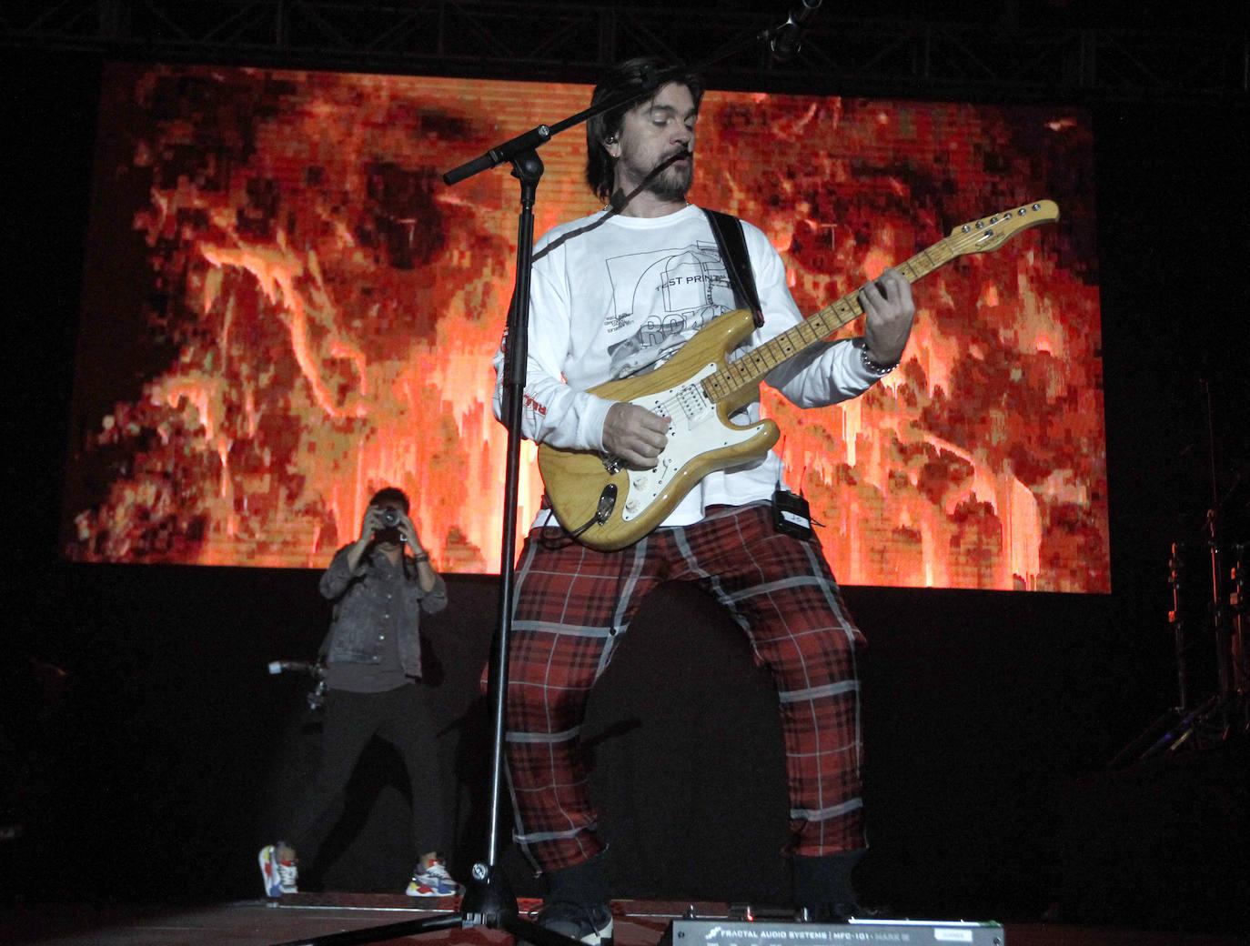 Las mejores imágenes del concierto de Juanes en Gijón