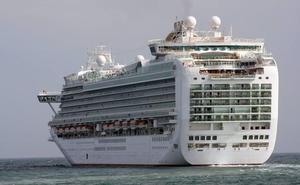 Muere una niña de 18 meses tras escurrirse de los brazos de su abuelo en un crucero