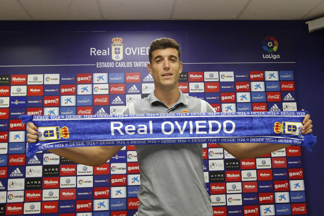 Real Oviedo | Javi Fernández se ofrece a jugar por la derecha o la izquierda