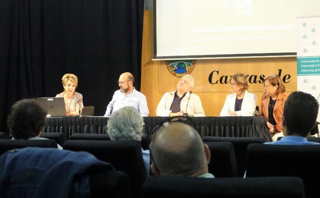 Jornada informativa sobre la formación en el empleo en Cangas