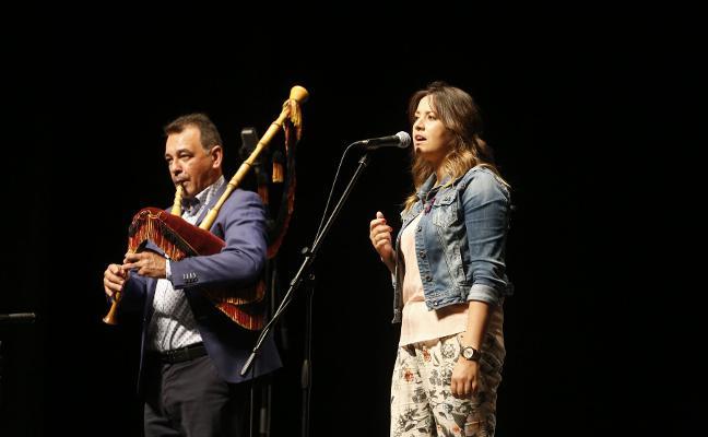 Isaac Sierra y Cristina Sánchez revalidan victoria en el Concurso de Canción de Siero