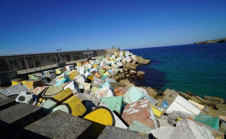6.500 firmas para recuperar los Cubos de la Memoria de Llanes
