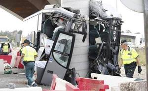 El conductor del Alsa siniestrado en Avilés «ocultó sus datos médicos a las mutuas», según uno de los abogados