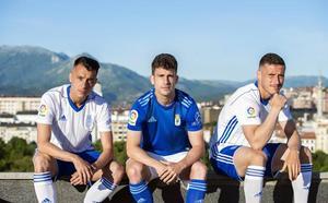 El Real Oviedo buscará el ascenso de azul, con detalles en negro y celeste