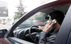Usar el teléfono móvil al volante aumenta un 20% el riesgo de accidente