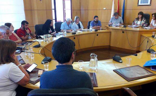 IU y Somos Carreño cargan contra la liberación de ediles
