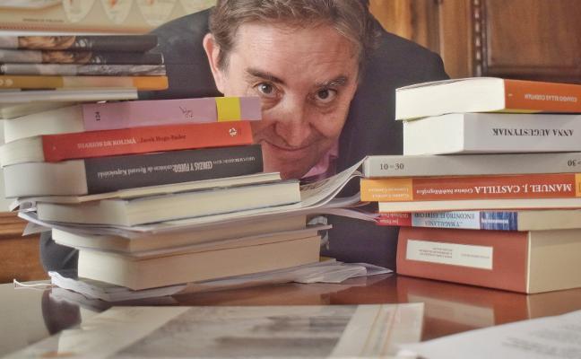 Luis García: «La poesía vive siempre en la frontera que separa lo privado y lo público»