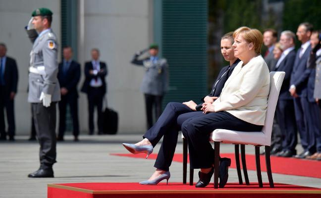 ¿Por qué tiembla Angela Merkel?