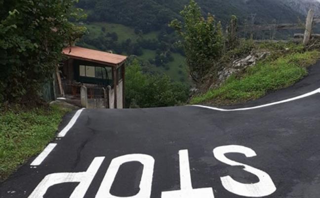 Riosa asfalta varios caminos en Fresneo y El Caleru con fondos Leader