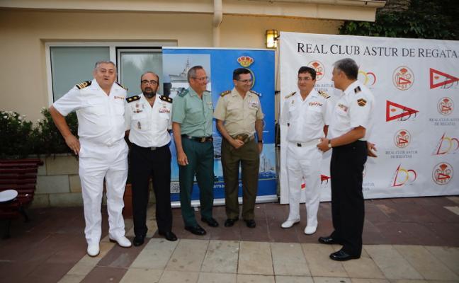El club de regatas celebra la verbena del Carmen