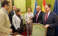 El gobierno local de Oviedo mantiene los sueldos de los asesores y mejora el de los coordinadores