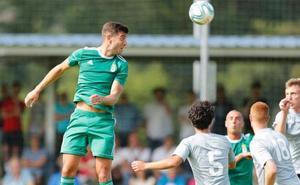 El Real Oviedo ensaya con derrota ante el Vetusta