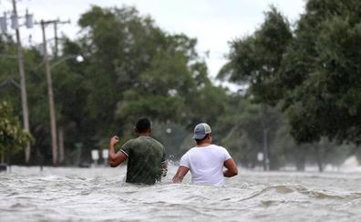 Barry se debilita pero aún genera advertencias por tornados y lluvias en EEUU