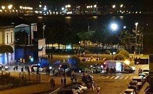 Herido un repartidor en una colisión con un coche en Gijón