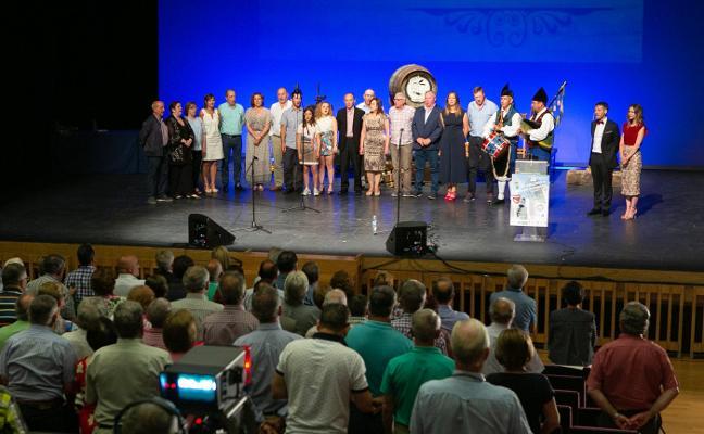 El noveno concurso de Canción Asturiana de Siero repite campeones