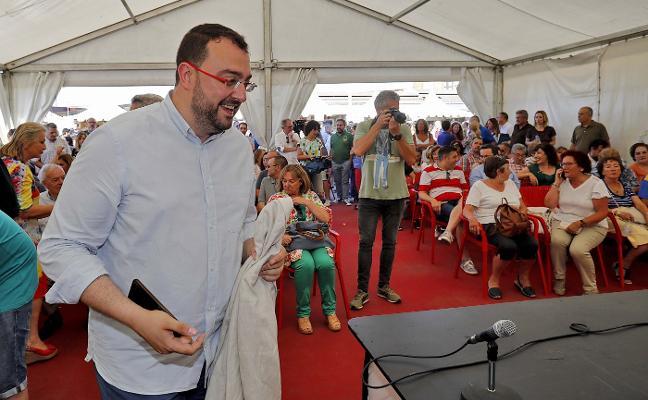 Adrián Barbón se compromete a formar un Gobierno «paritario» y capaz de «sentar cátedra»