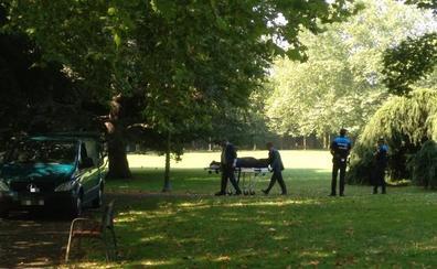 Aparece un cadáver en el parque de Ferrera en Avilés