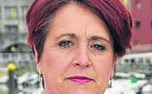 La diputada Esther Freile renuncia como edil de Colunga