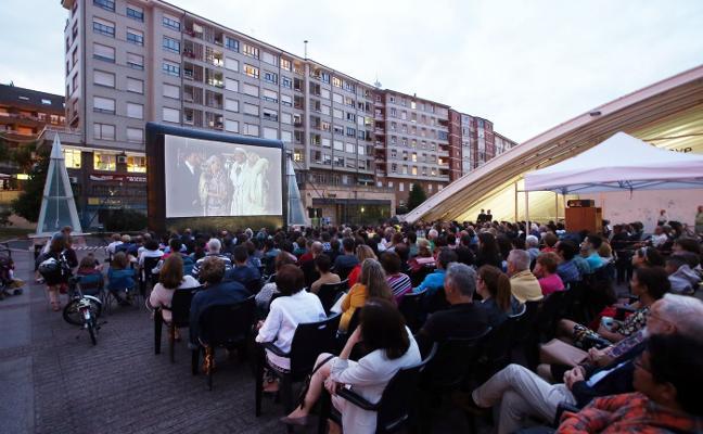 Cine al aire libre en La Losa
