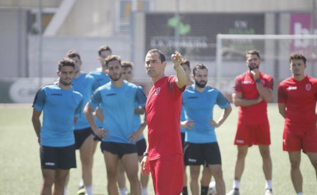 Samuel Baños se estrenará ante el Rayo Majadahonda al frente del Sporting B