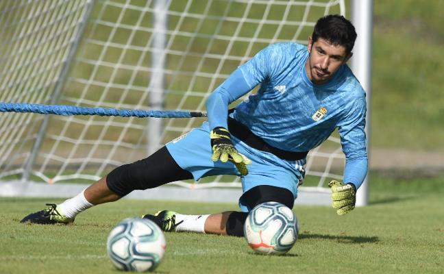 Real Oviedo | Champagne, listo para defender el puesto