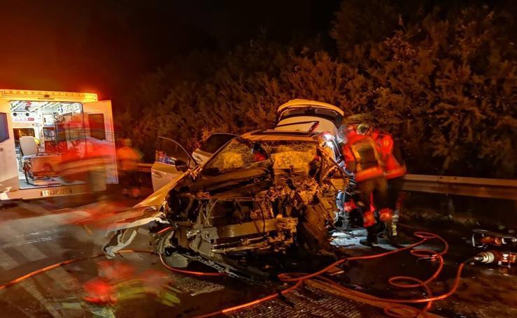 Un muerto y cinco heridos en un accidente provocado por un kamikaze en la 'Y'