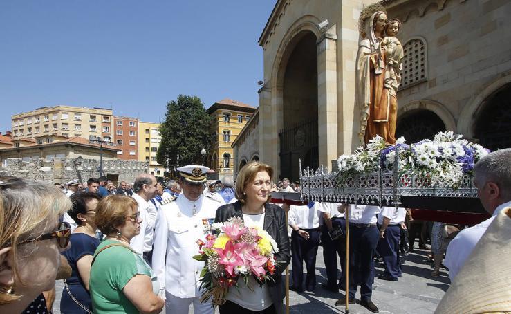 Gijón venera a la Virgen del Carmen