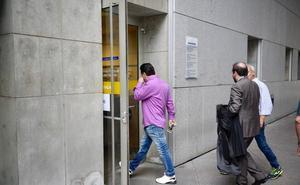 El juzgado suspende la vista contra el hombre acusado de rociar con alcohol a su pareja y prenderle fuego