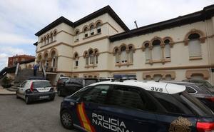 Un hombre fallece tras dispararse en la capilla del Hospital de Avilés