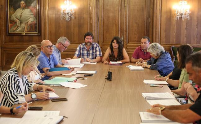 PSOE y PP ratifican en la comisión de Hacienda el nuevo personal eventual