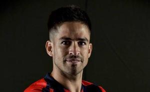 El Sporting ultima el fichaje del lateral argentino Damián Pérez