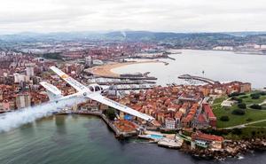 La alcaldesa de Gijón se compromete a mantener el Festival Aéreo