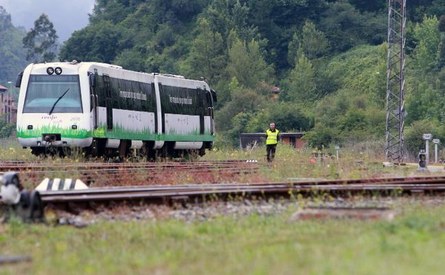 Renfe quiere dotar con motor a gas a cuatro trenes en la línea Baíña-Collanzo